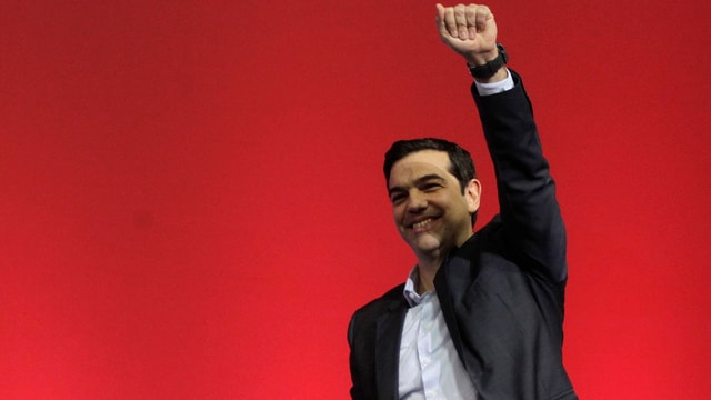 Alexis Tsipras mit gerekter Faust