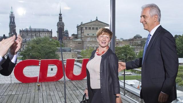 CDU-Ministerpräsident Tillich und seine Frau Veronika vor Verkündung der Ergebnisse in Leipzig.