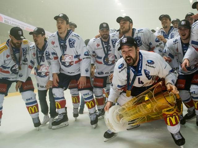 Die ZSC Lions feiern den Meistertitel