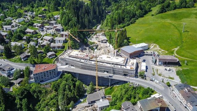 Il nov center Stenna vegn construì gist dasper la punt amez Flem.