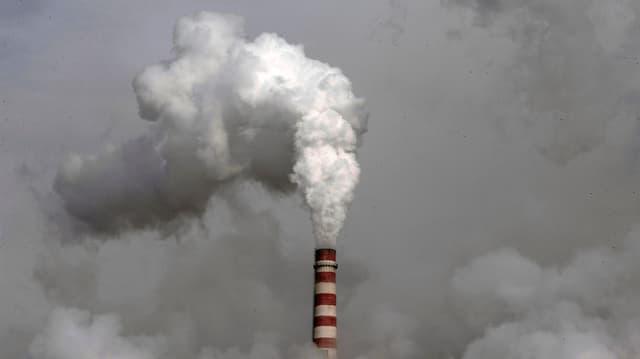 L'Uniun europeica vul reducir las emissiuns da CO2  fin il 2030 per 40%, cumpareglià cun il 1990.