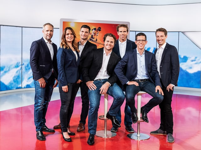 Gruppenfoto mit den Ski-Berichterstattern.