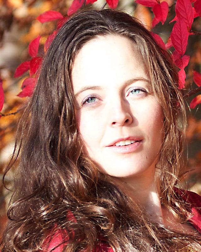 Portrait von Sängerin Katja Baumann