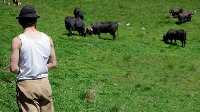 Bergbauer mit Vieh