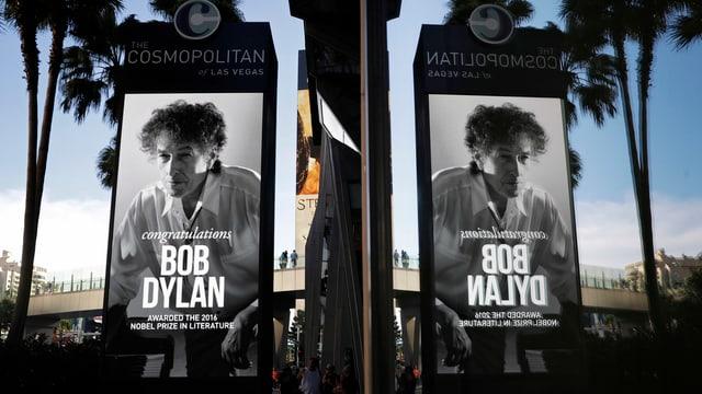 Zu sehen sind Plakate von Bob Dylan in Las Vegas.