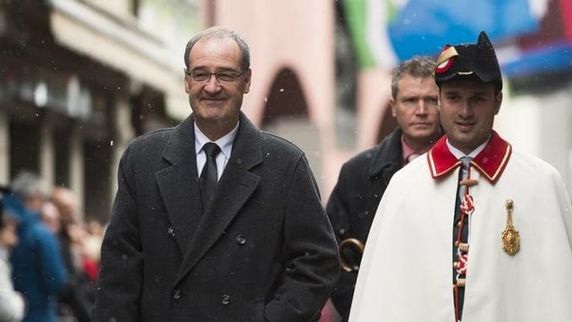 Bundesrat Guy Parmelin schreitet zur Landsgemeinde