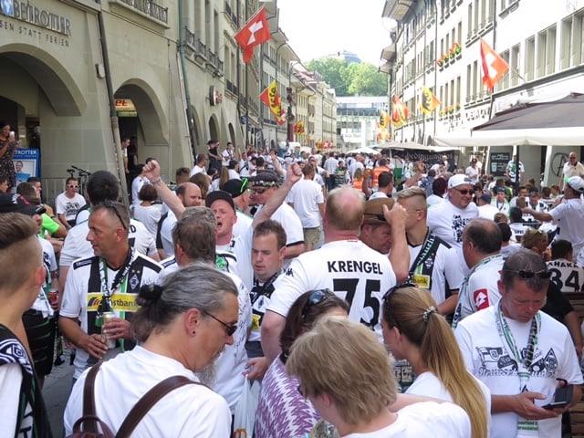 Fans in der Innenstadt