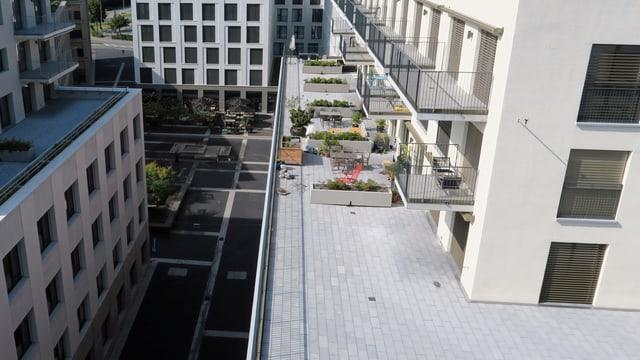 Neu moderne Häuser mit grosszügigen Dachterrassen.
