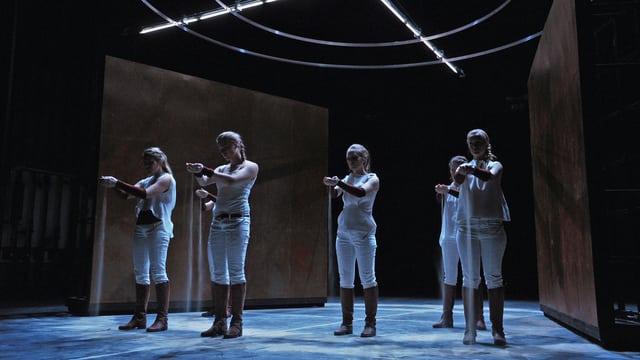 Szene aus dem Theaterstück «Der Bürgerkrieg»
