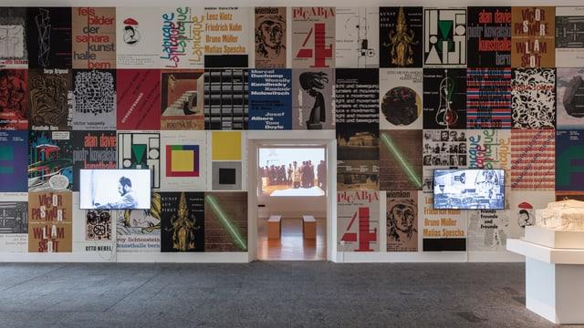 Kunsthalle Bern mit Ausstellungsplakaten