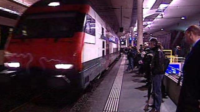Volle Perrons am Bahnhof Bern…