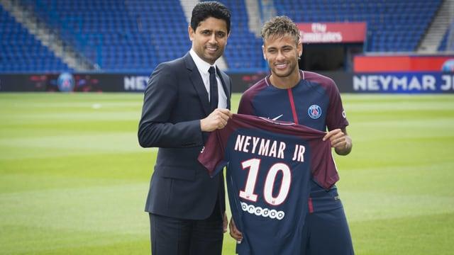 Neymar bei seiner Vorstellung.
