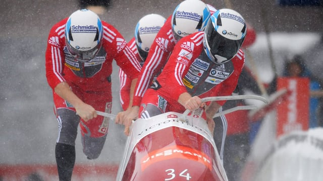 Das Team um Beat Hefti erreichte im Viererbob ein achtbares Resultat.