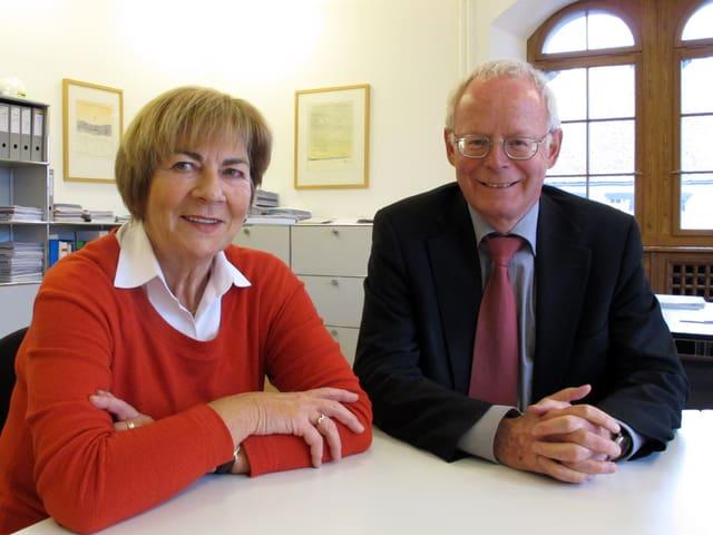 Ursula Hafner und Reto Dubach in dessen Büro im Regierungsgebäude.