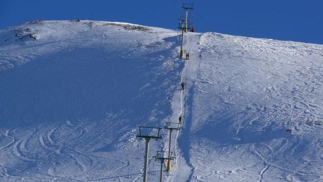Il Piz Darlux cun runal da skis