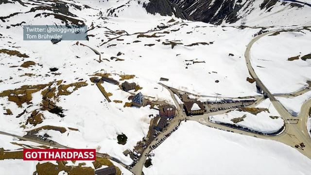 Luftbild auf den Gotthard.