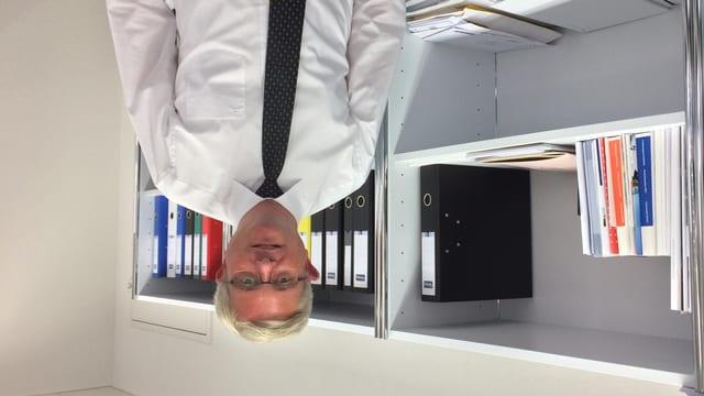 Il maletg mussa Andreas Glaser, directur dal Center per democrazia ad Aarau.