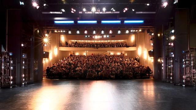 Blick von der Bühne in den Zuschauerraum des Badener Kurtheaters.