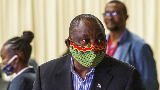 Cyril Ramaphosa mit Maske