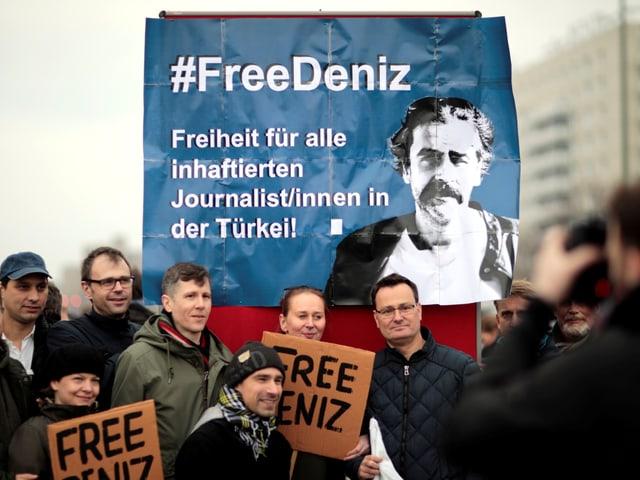 Demo gegen die Verhaftung von Yücel im Winter 2017