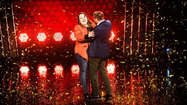Nadia Endrizzi und Jonny Fischer im Goldregen.