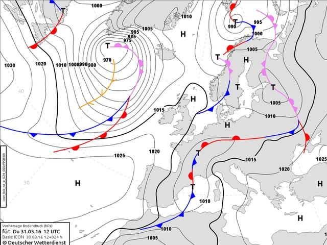 Isobarenkarte von Europa zeigt die Verteilung der Hochs und Tiefs sowie Warm- und Kaltfronten.