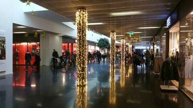 L'atmosfera è stada patgifica durant la vendita da dumengia en il City West.