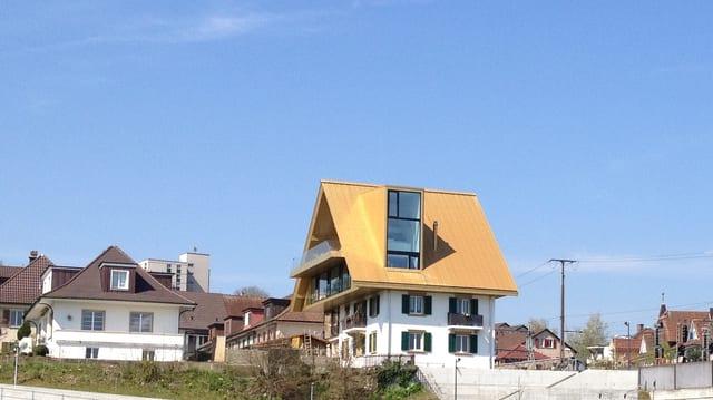 Zu viel Glanz: Das goldene Dach von Olten muss matt werden.