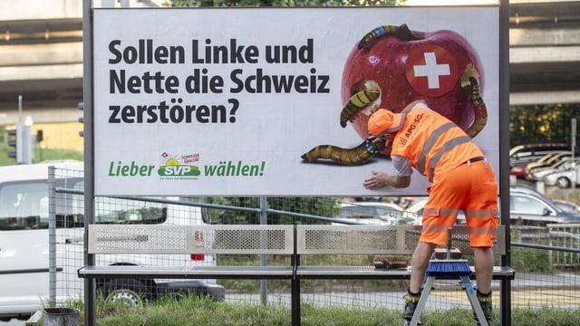 """Das Plakat der SVP: """"Sollen Linke und Nette die Schweiz zerstören?"""""""