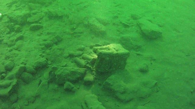 Handgranaten unter Wasser