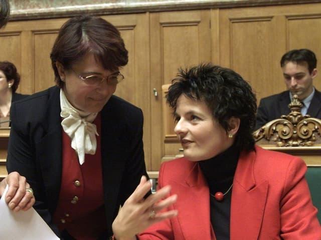 Stefanie Baumann, SP (BE), Therese Meyer, CVP (FR) und Bundesraetin Ruth Metzler, von links,