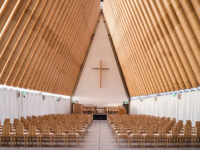 Die 24m hohe Kirche in Christchurch, Neuseeland, aus Karton.