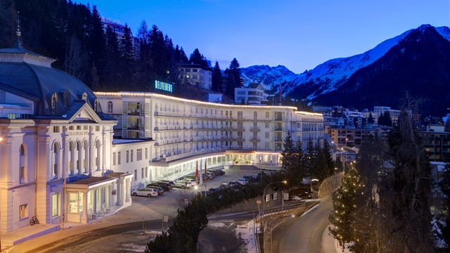 En il Grand Hotel Steigenberger a Tavau èn ils prezis da las chombras durant il WEF maximal 10 pertschient pli auts.