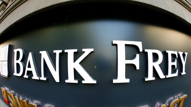 Logo der Bank Frey verzogen mit Weitwinkel