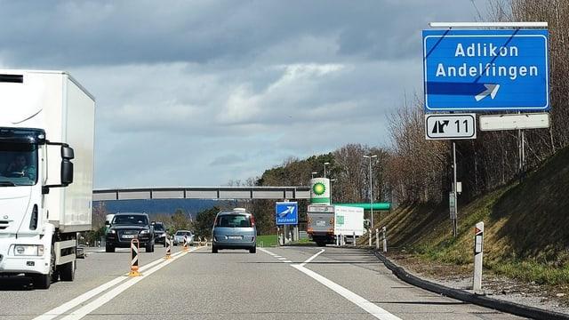 Ausfahrt Adlikon Andelfingen auf der Autobahn A4