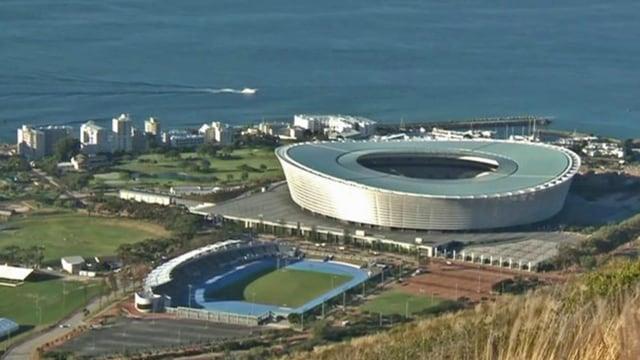 Stadion in Kapstadt von Weitem.