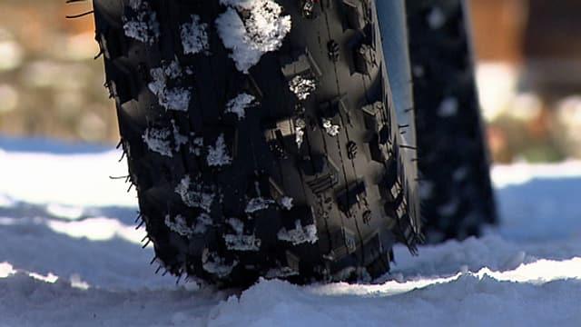 Die dicken Reifen eine Fatbikes.