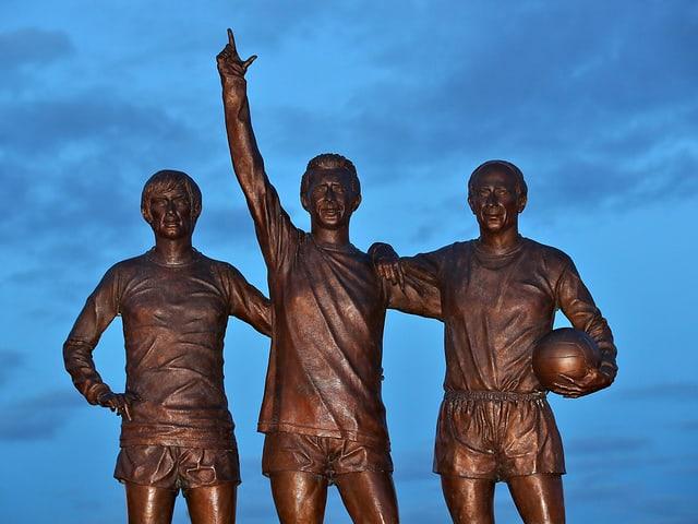 Fussball-Statue.