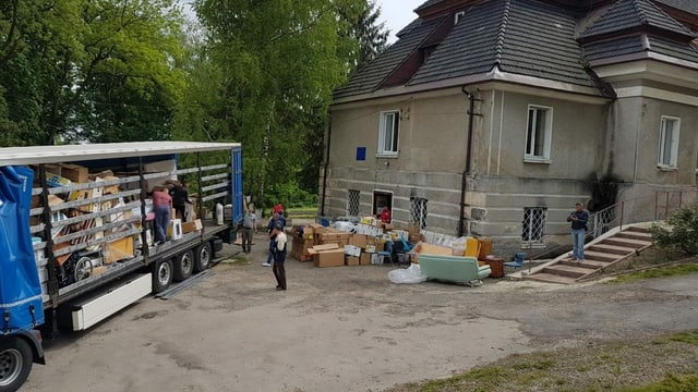 Il camiun è arrivà a ses lieu da destin en la chasa da vegls en l'Ucraina.