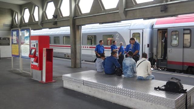 Flüchtlinge am Bahnhof in Buchs