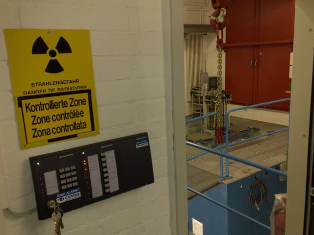 Strahlenzeichen und Reaktor