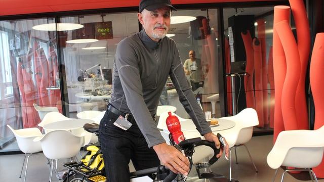 Peter Gassner aus Emmental (BE) auf seinem E-Bike.