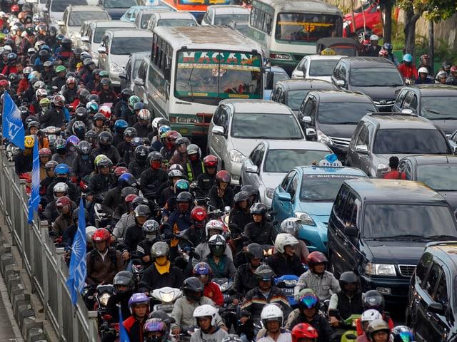 Ein Stau in Jakarta.