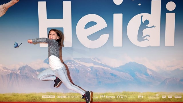Ina reclama per il film da «Heidi» cun l'actura Anuk Steffen.