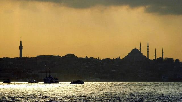 Istanbul im Abendlicht.