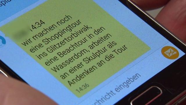 Handybildschirm mit geöffneter SMS