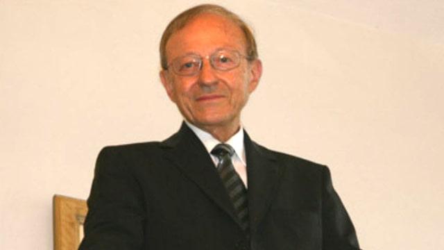 Portrait von Professor Hans Giger. Strassenrechts-Experte.