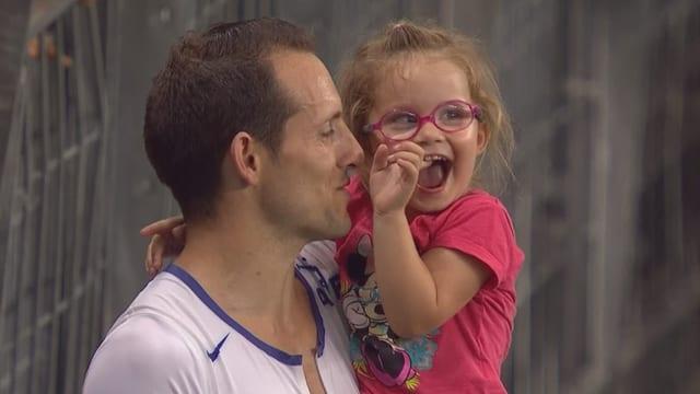 Renaud Lavillenie mit seiner Tochter.