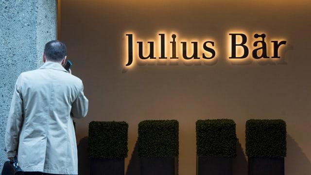 Das Logo der Julius Bär Bank in Zürich. (keystone)