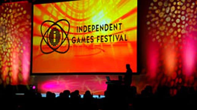Die Bühne des IGF bei einer Präsentation. Im Vordergrund das Publikum.